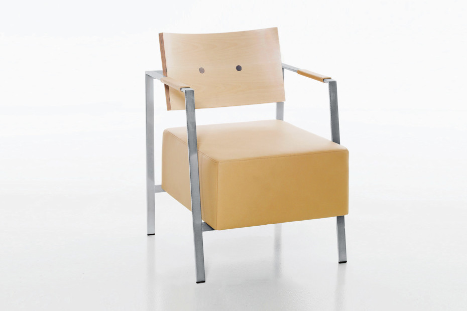 TRIPPO armchair