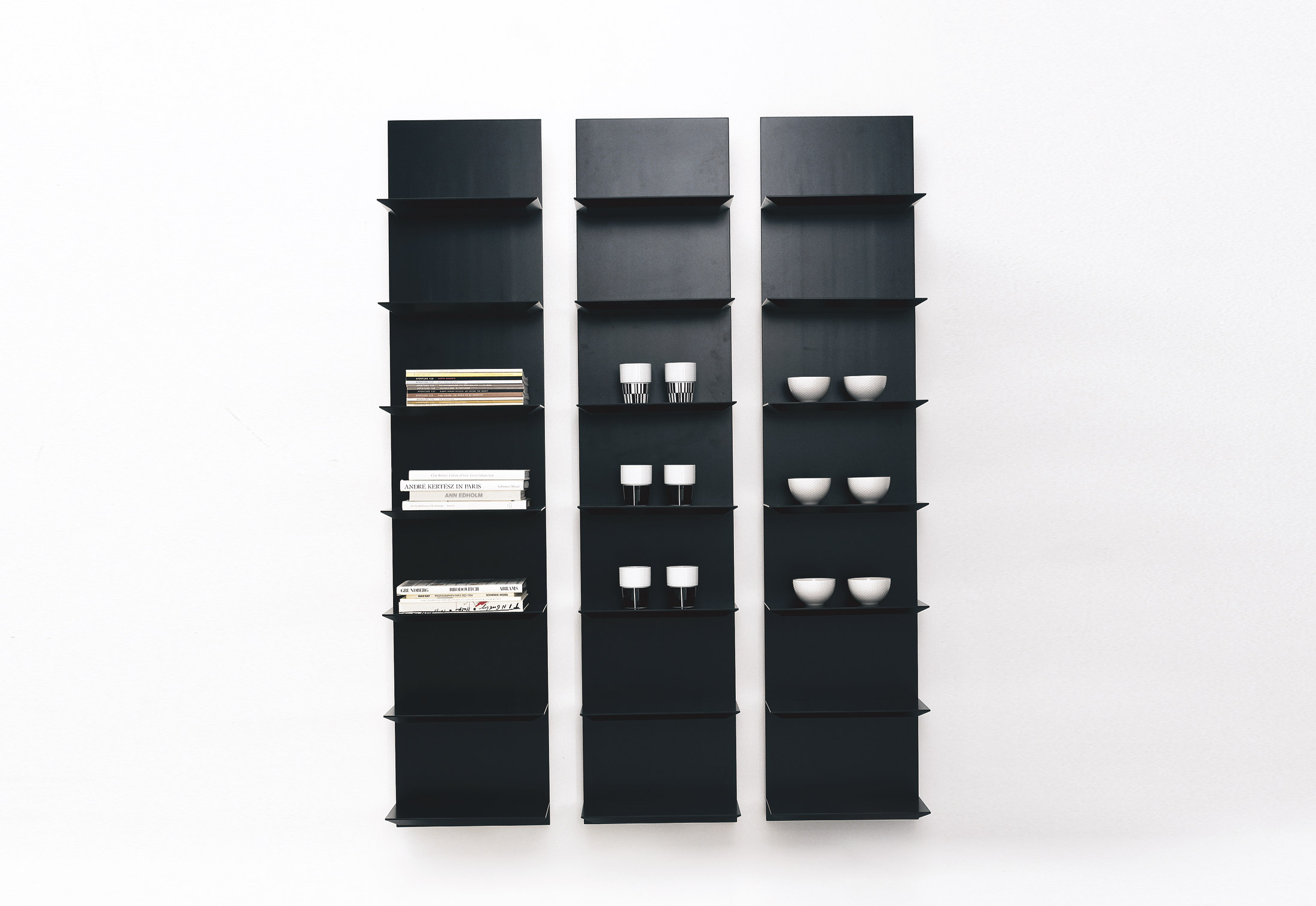 trippo magazin shelf by karl andersson stylepark. Black Bedroom Furniture Sets. Home Design Ideas