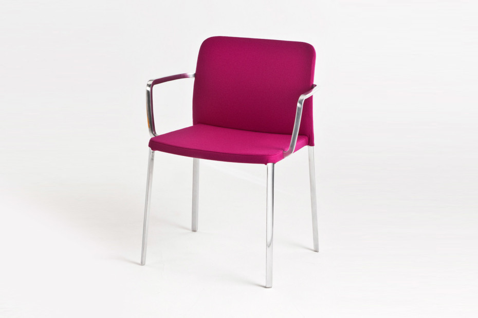 Audrey Soft chair with armrests