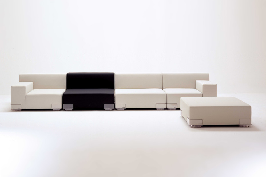 plastics sofa von kartell stylepark. Black Bedroom Furniture Sets. Home Design Ideas