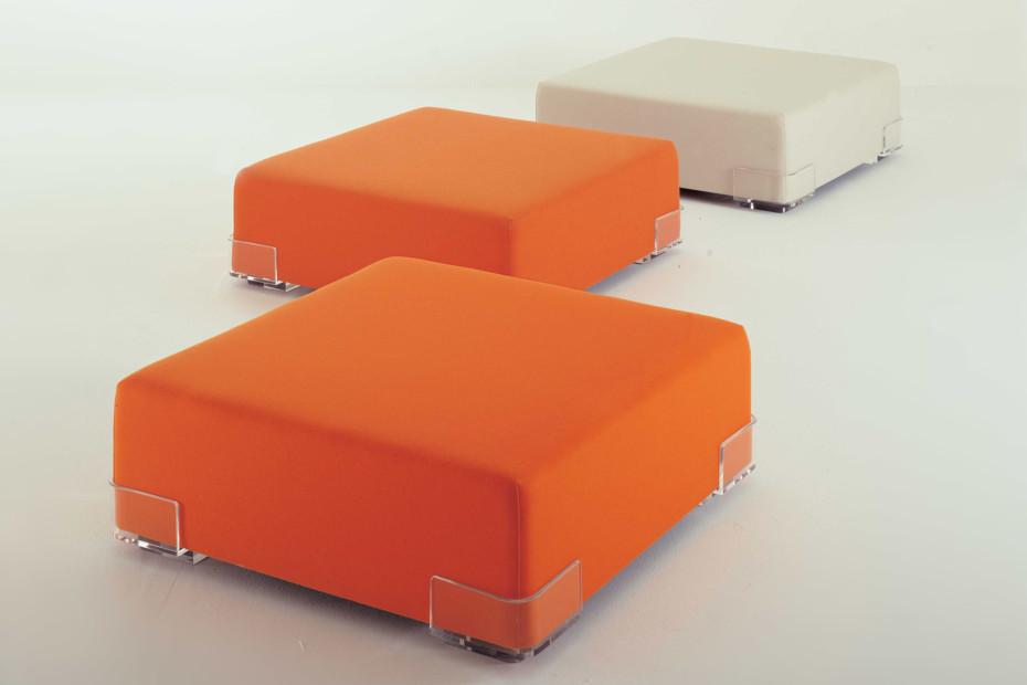 Plastics stool