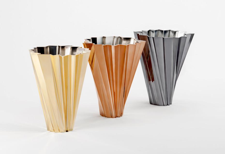 Shanghai vase metal
