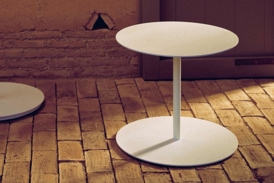 Objects side table