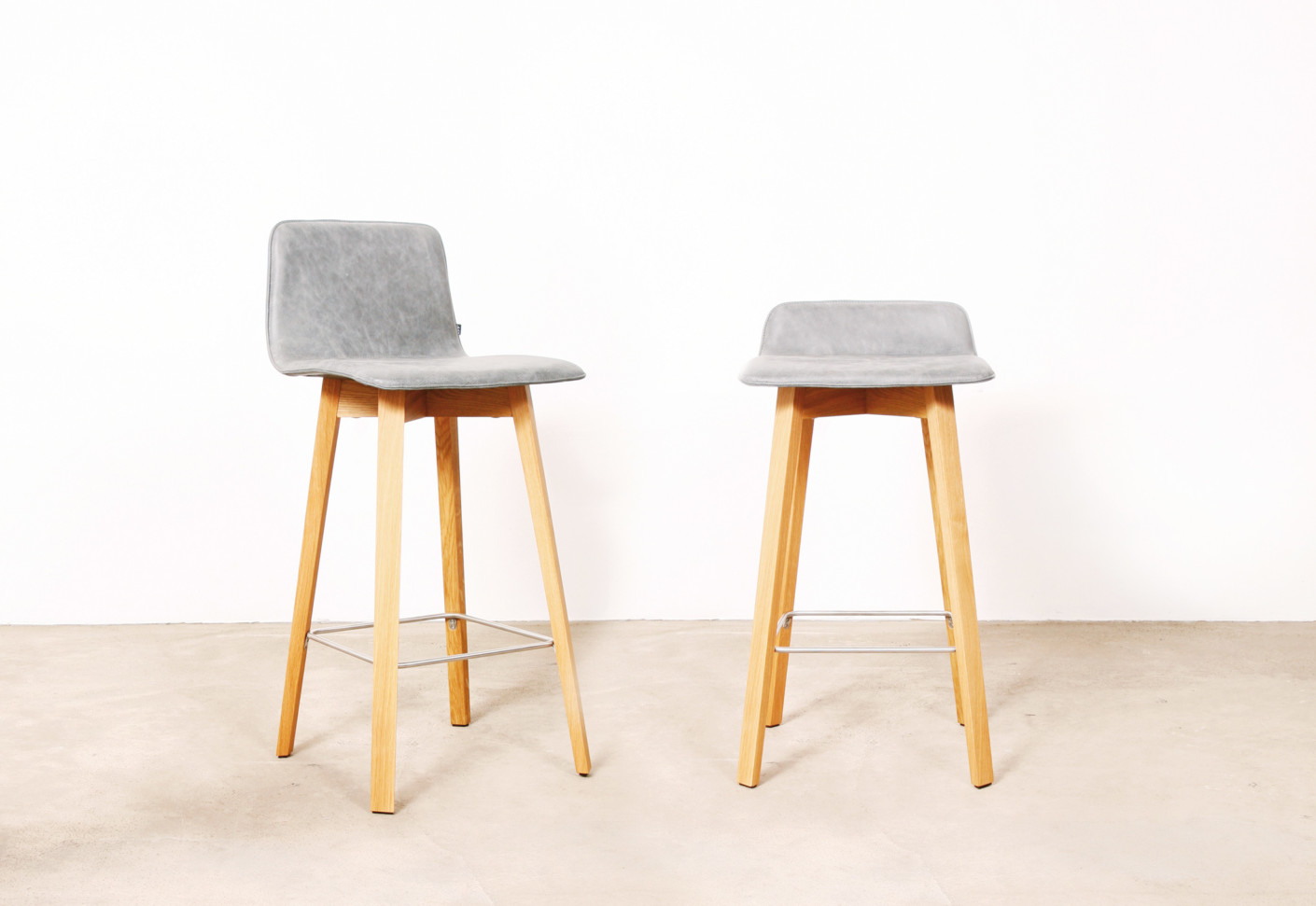 Maverick upholstered bar stool by kff stylepark - Chaise de bar castorama ...