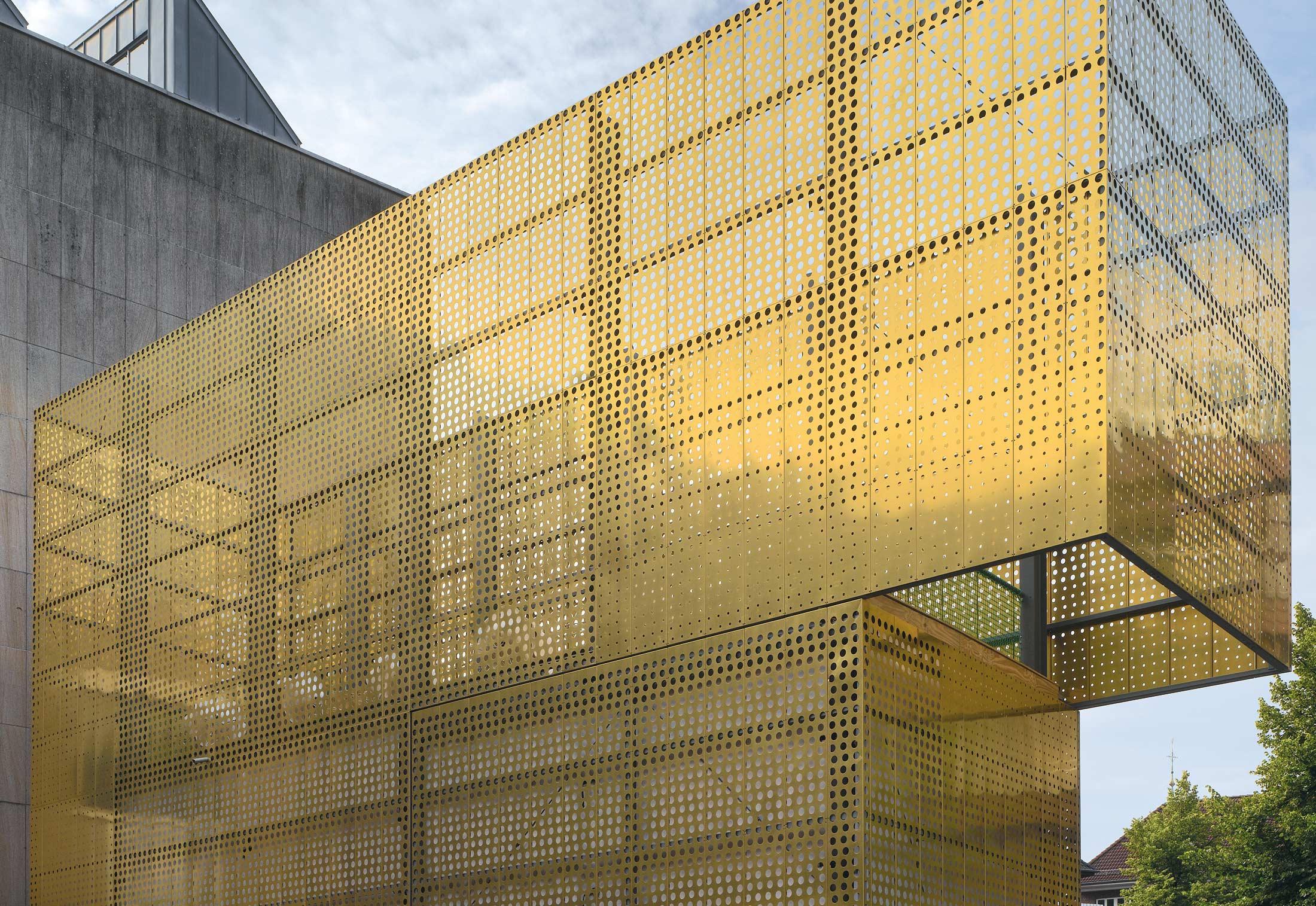 Tecu 174 Gold Punch Cassettes By Kme Stylepark