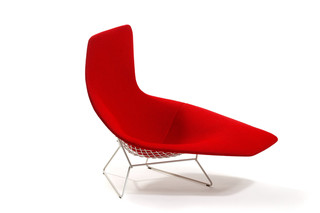 Bertoia Asymmetric Chaise  by  Knoll