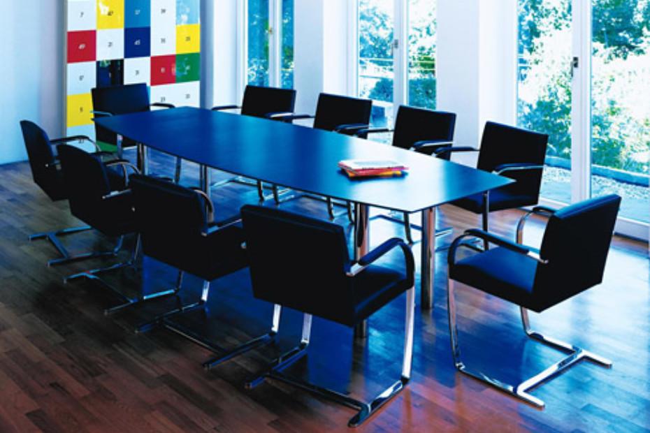 Florence Knoll Konferenztisch