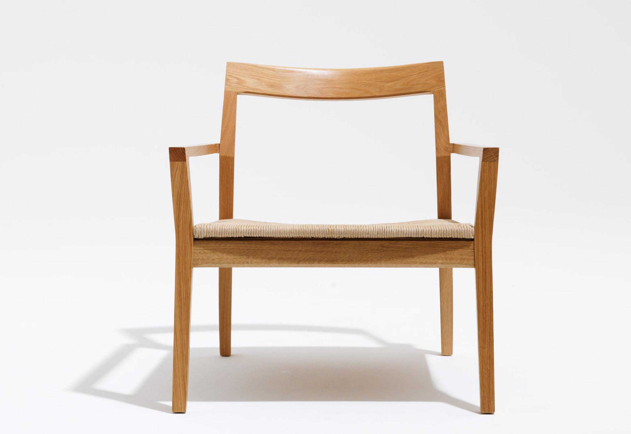 Astounding Krusin Lounge Chair With Armrests By Knoll Stylepark Creativecarmelina Interior Chair Design Creativecarmelinacom
