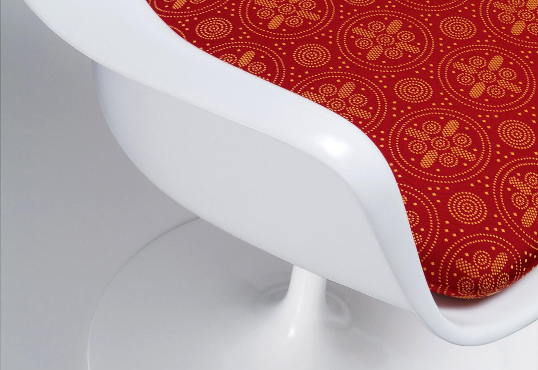 ... Saarinen Tulip Armchair ...