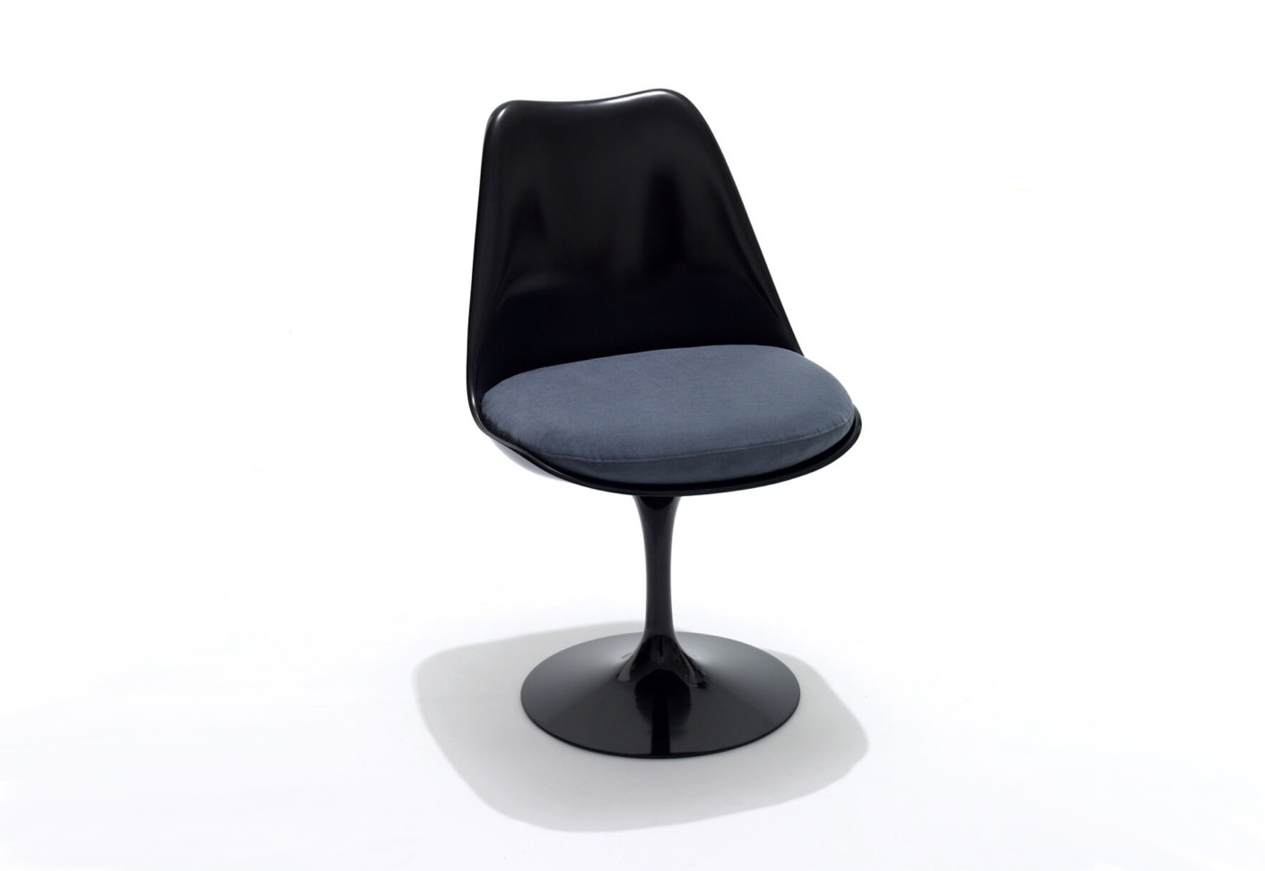saarinen tulip chair by knoll stylepark. Black Bedroom Furniture Sets. Home Design Ideas