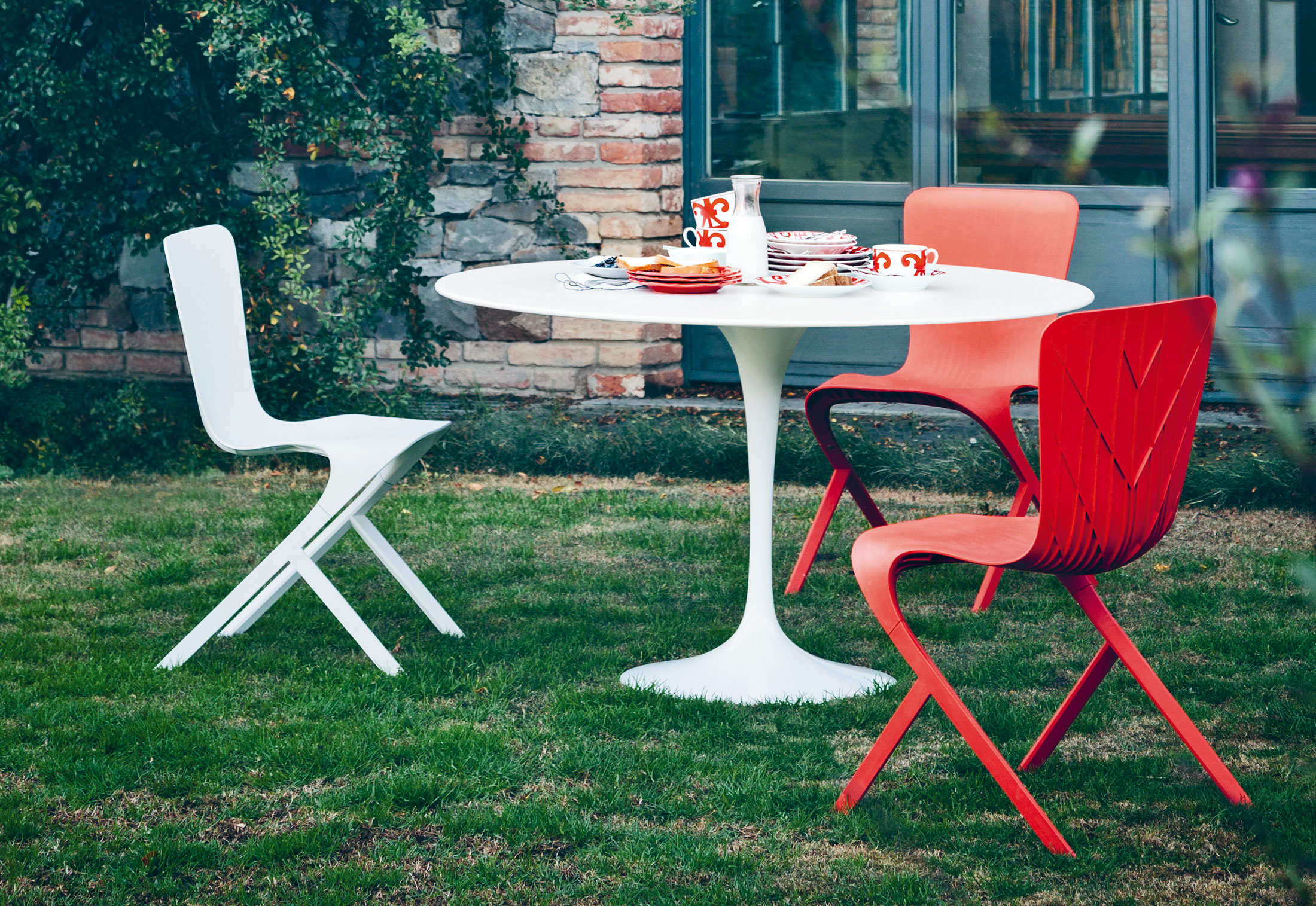 Saarinen Tulip Outdoor Dining Table By Knoll STYLEPARK - Saarinen outdoor dining table