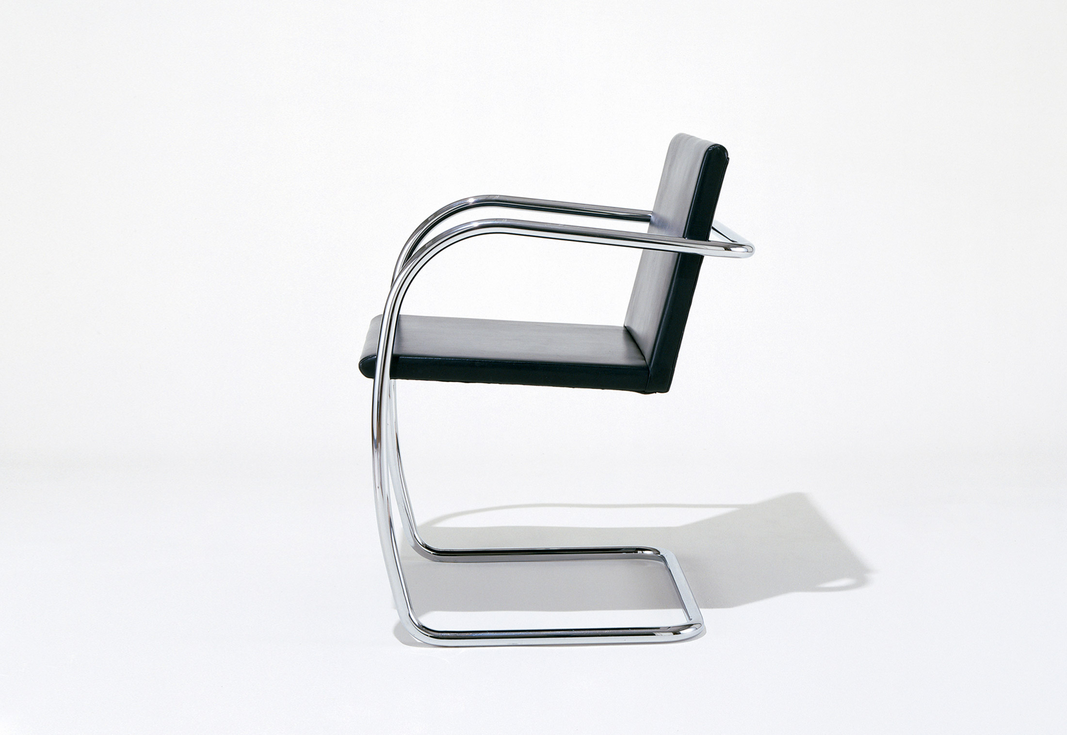 Tubular Brno Chair by Knoll | STYLEPARK | furniture stores in brno