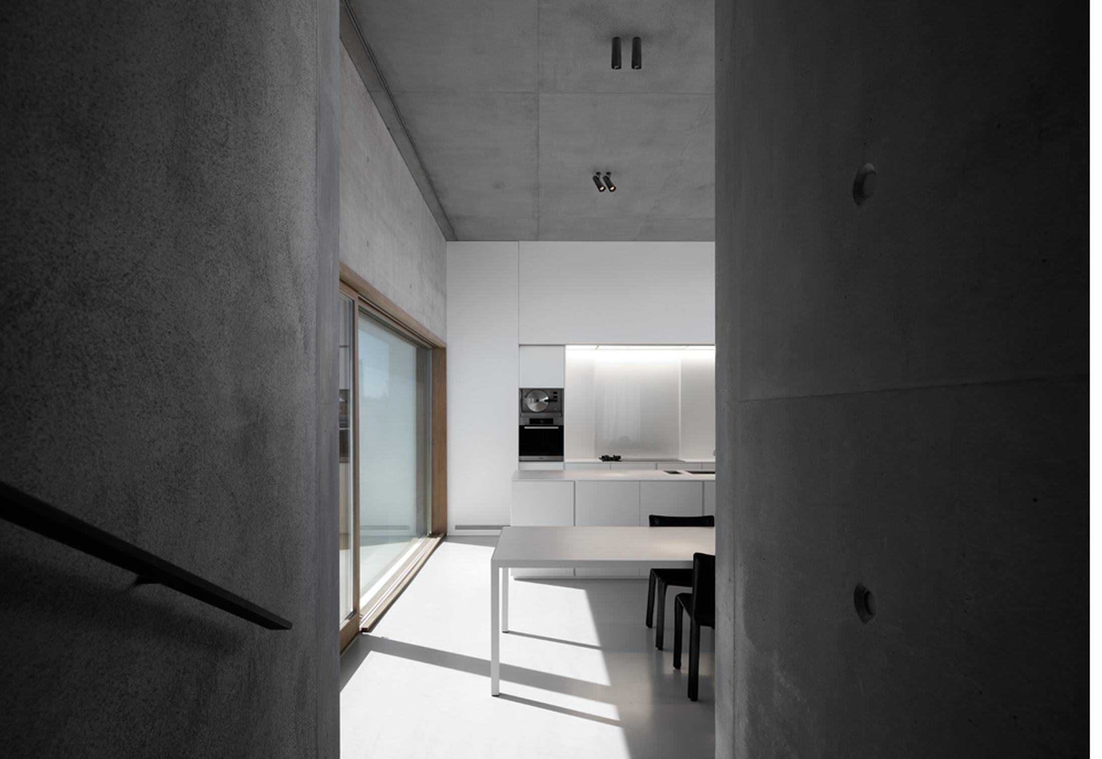 Holon 40 Directional By Kreon Stylepark