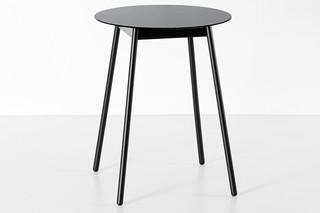 BCN high table  by  Kristalia