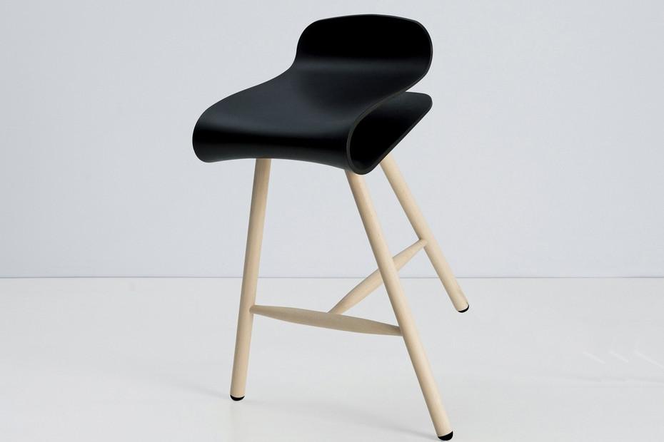 BCN stool wood
