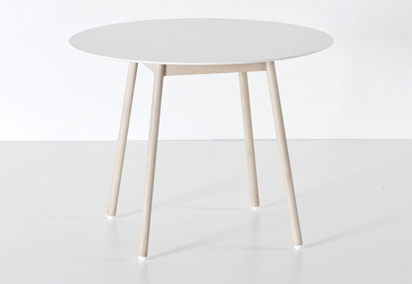 Bcn table by kristalia stylepark for Table kristalia