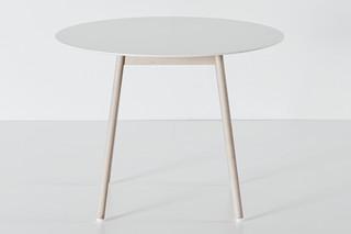 BCN table  by  Kristalia