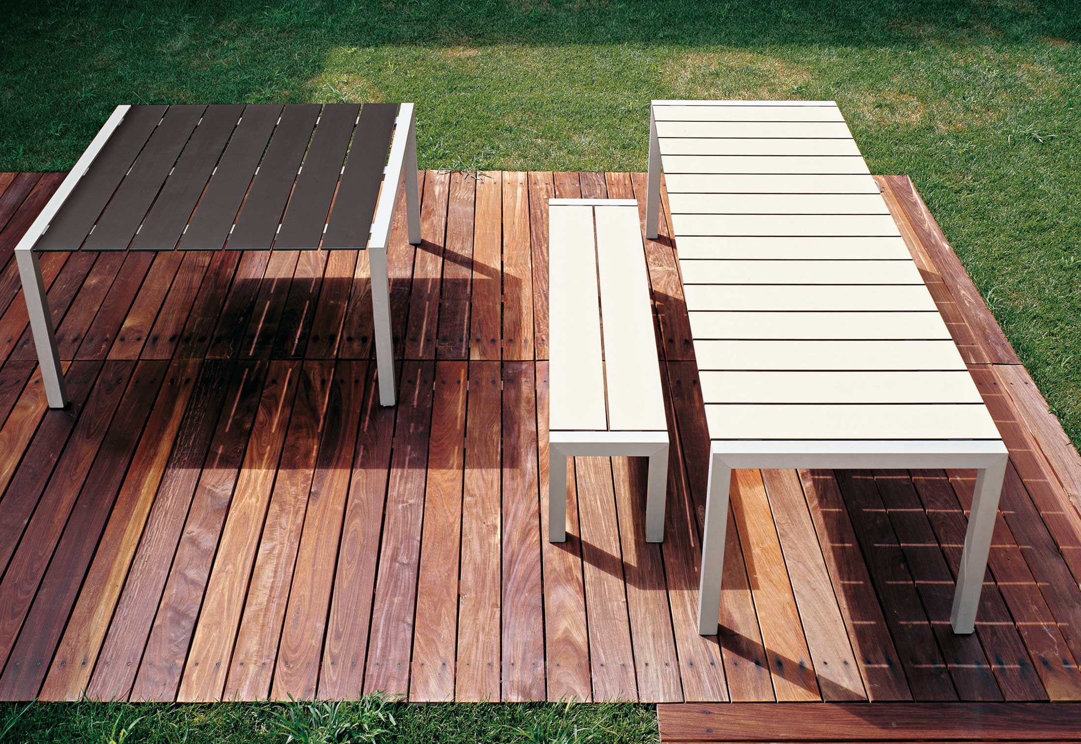 sushi bank outdoor von kristalia stylepark. Black Bedroom Furniture Sets. Home Design Ideas