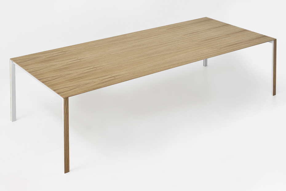Thin k wood table by kristalia stylepark for Table kristalia