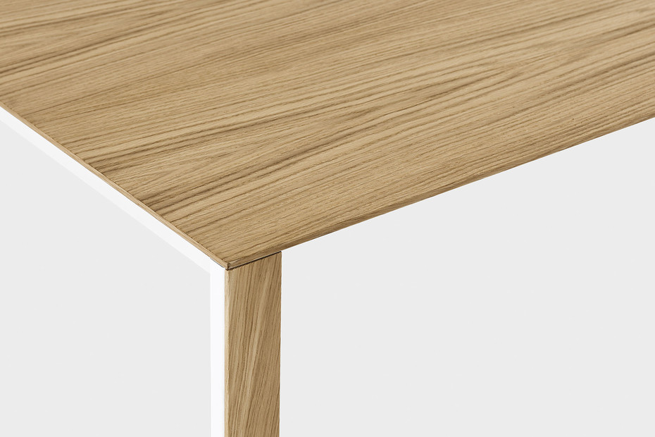 Thin-k wood table
