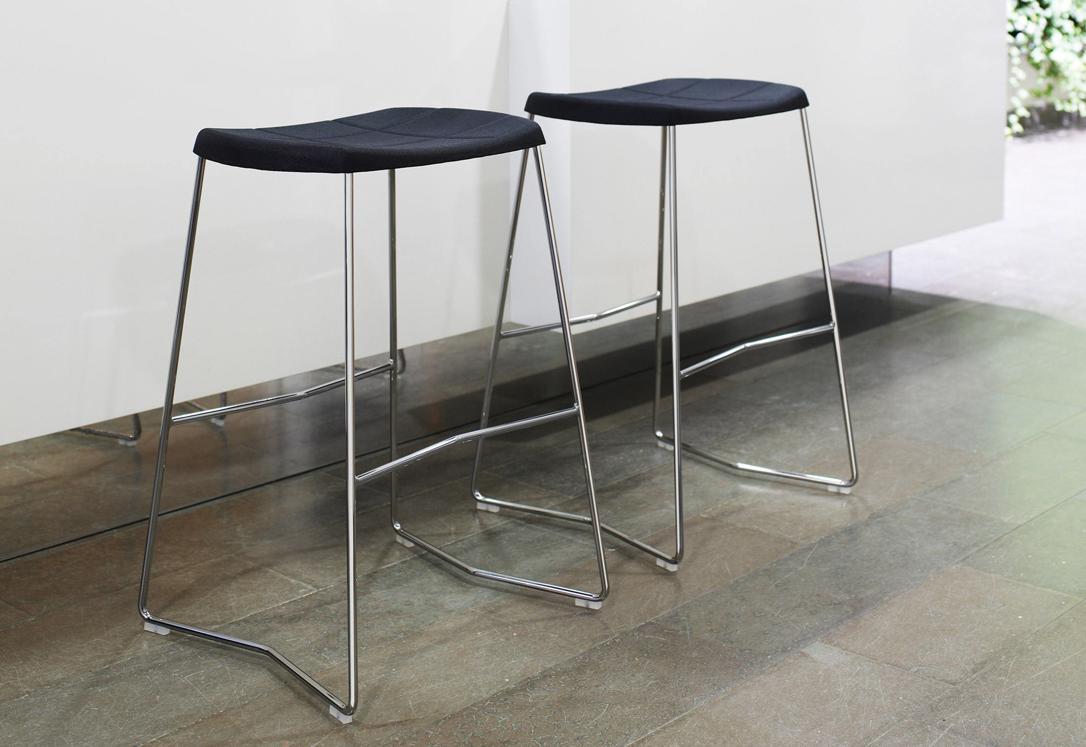 Mini Bar Stool By Lammhults STYLEPARK