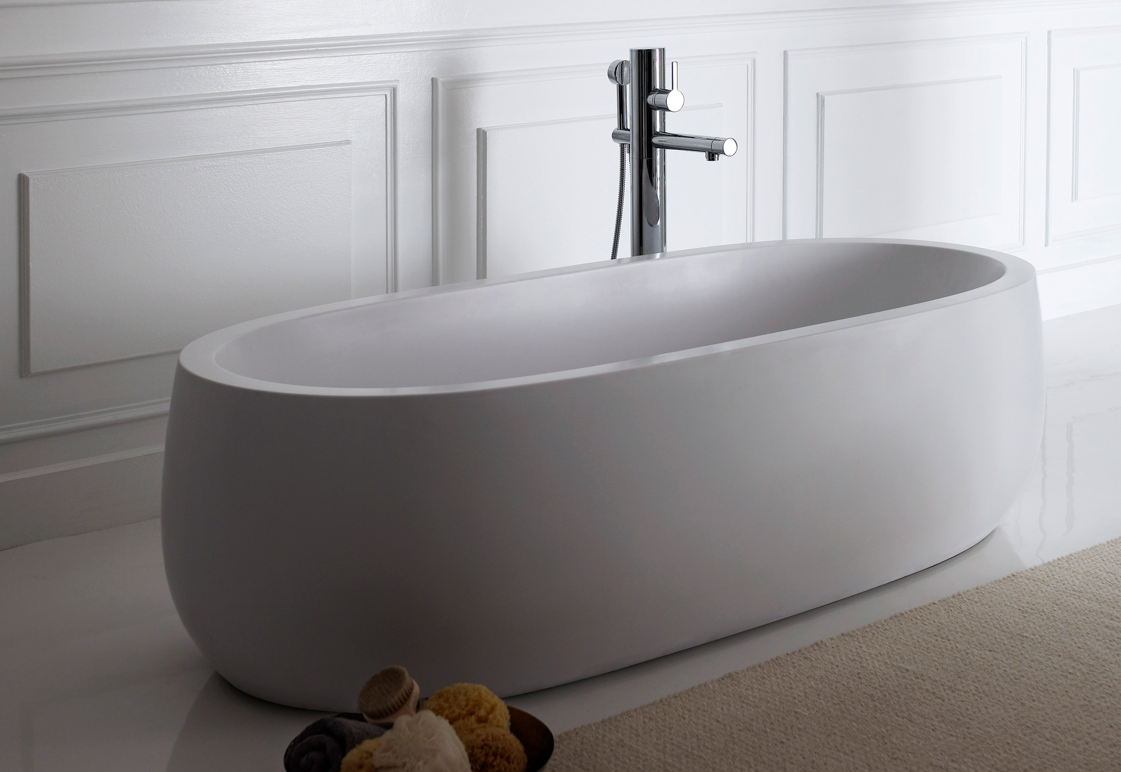 Il Bagno Alessi One freestanding bathtub by Laufen | STYLEPARK