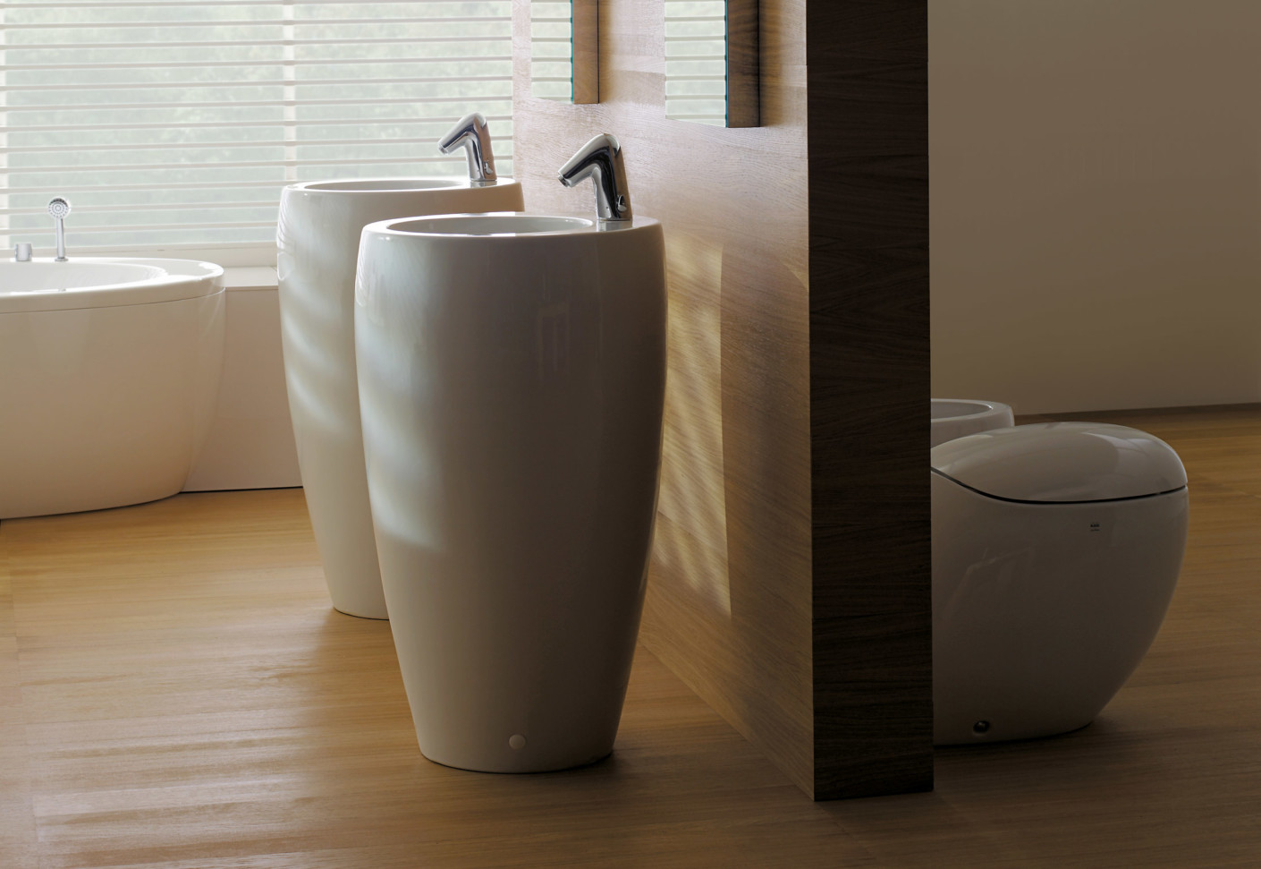 il bagno alessi one tam tam by laufen stylepark. Black Bedroom Furniture Sets. Home Design Ideas