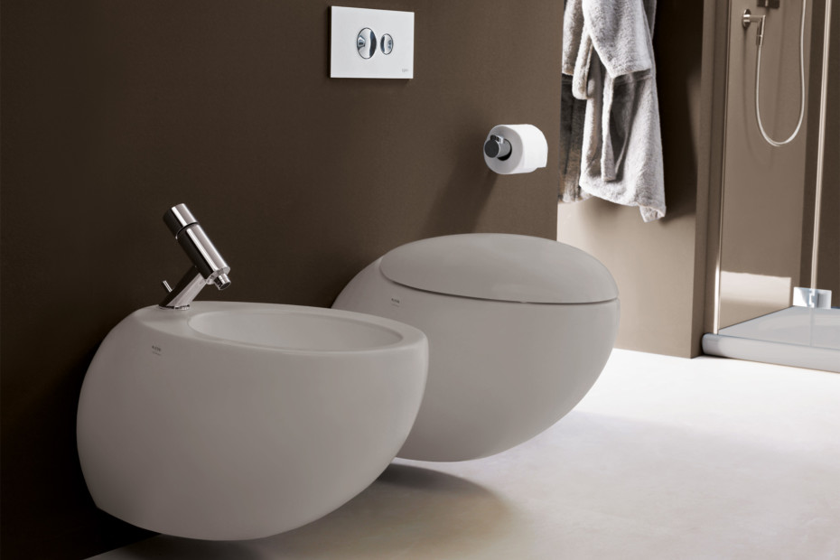 Il Bagno Alessi One wall mounted bidet