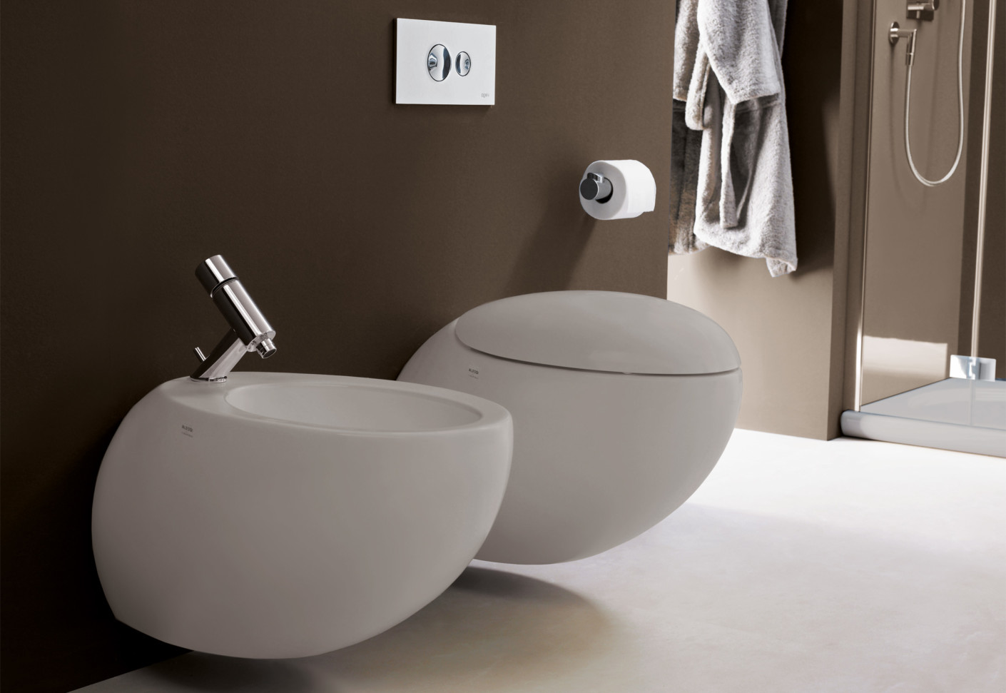 il bagno alessi one wc mit wandbefestigung von laufen stylepark. Black Bedroom Furniture Sets. Home Design Ideas