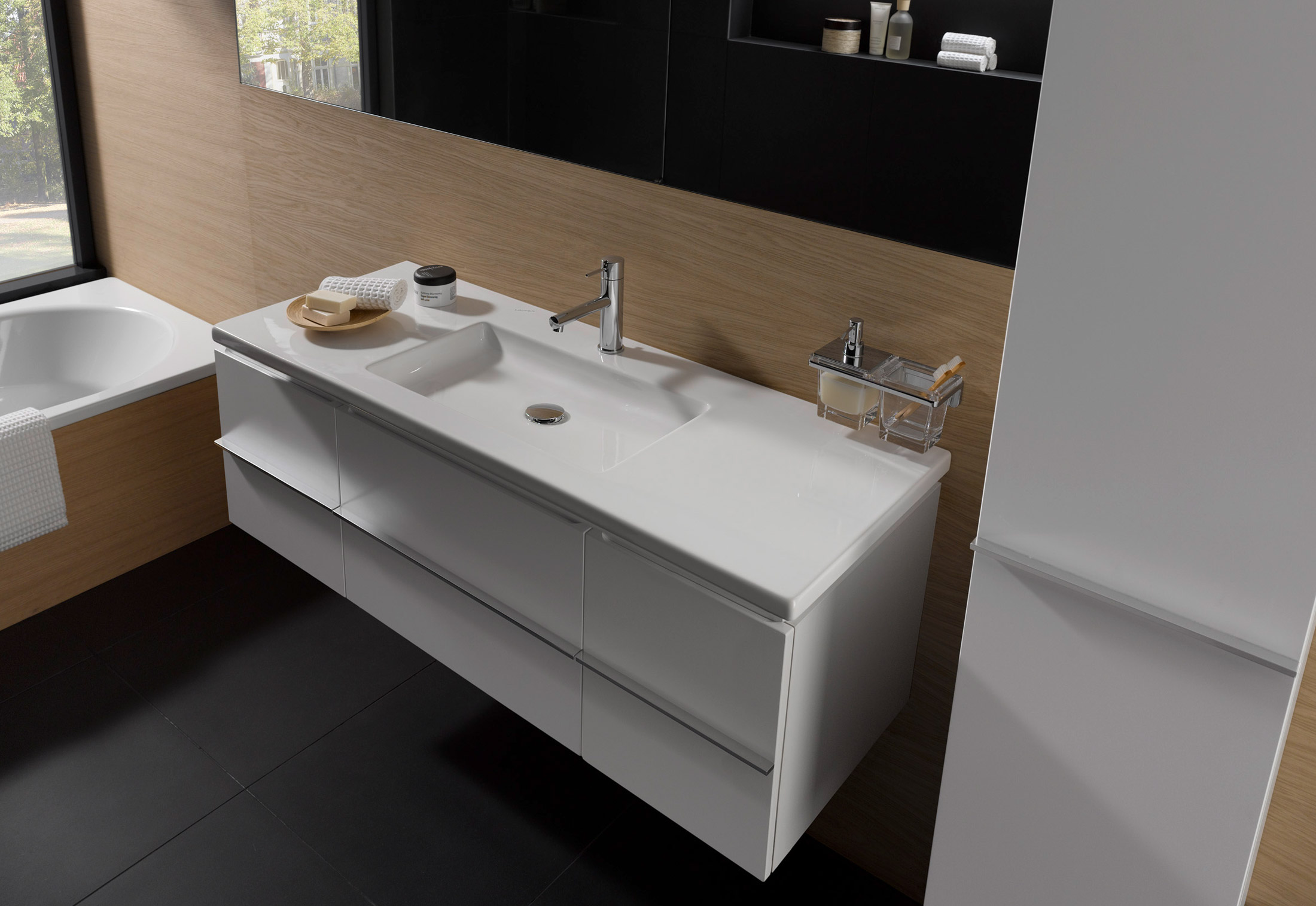 living square bath cabinet by laufen stylepark. Black Bedroom Furniture Sets. Home Design Ideas