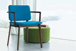 Hati chair with armrests  by  Lema