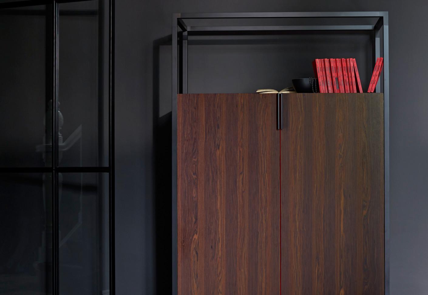 dedicato schrank von ligne roset stylepark. Black Bedroom Furniture Sets. Home Design Ideas