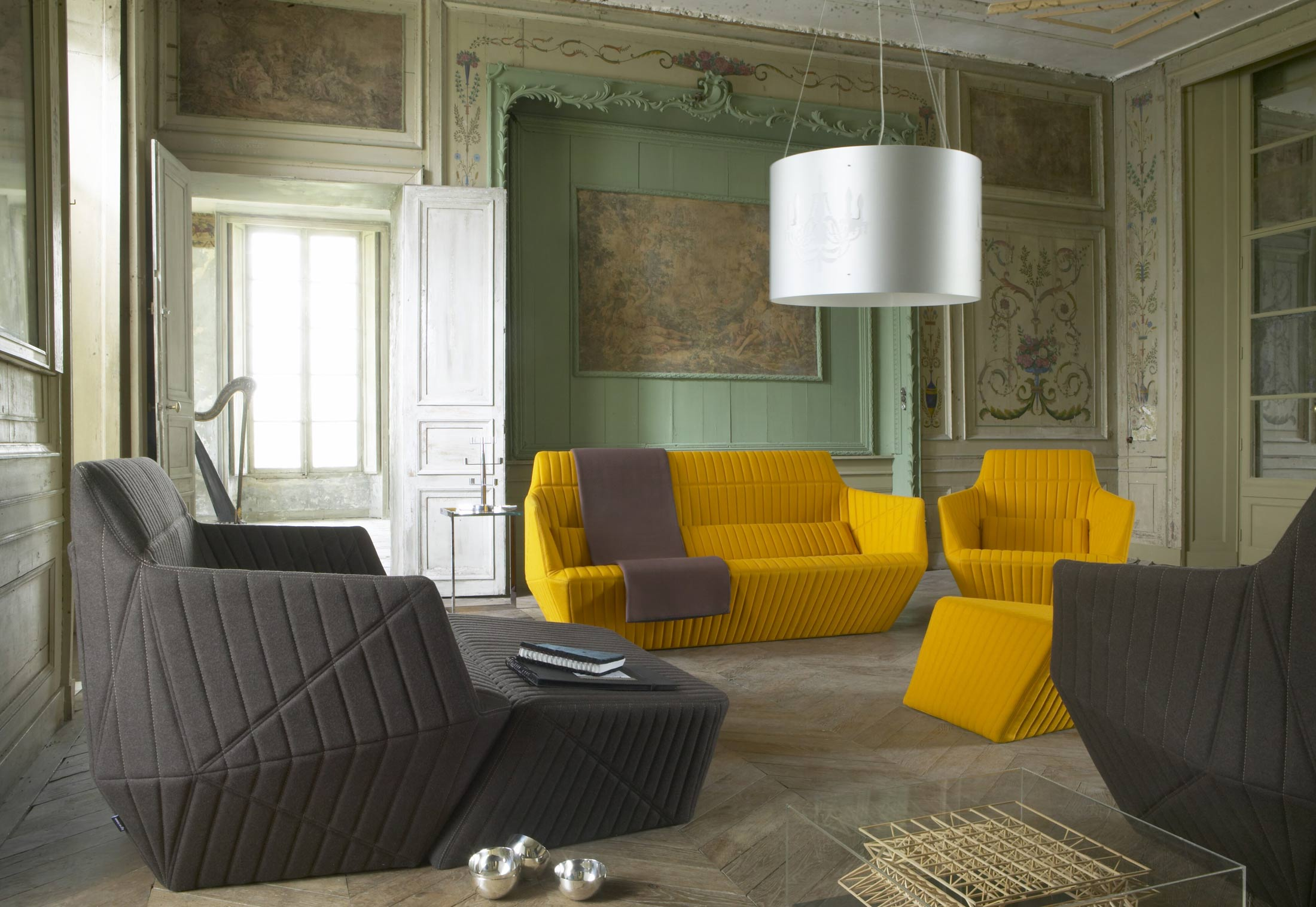 facett sofa by ligne roset stylepark. Black Bedroom Furniture Sets. Home Design Ideas