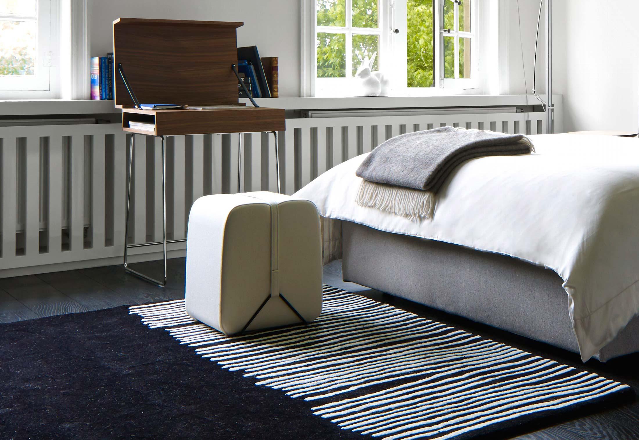 pom s von ligne roset stylepark. Black Bedroom Furniture Sets. Home Design Ideas