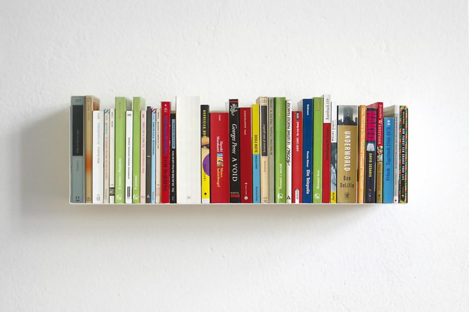 linea1 a Bücher- und DVD-Regal
