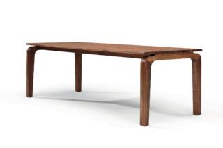 Savoy table  by  Linteloo