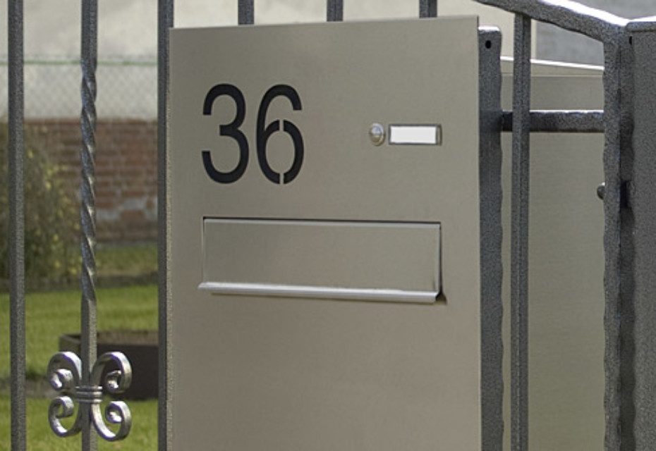 Basic letter box fence system
