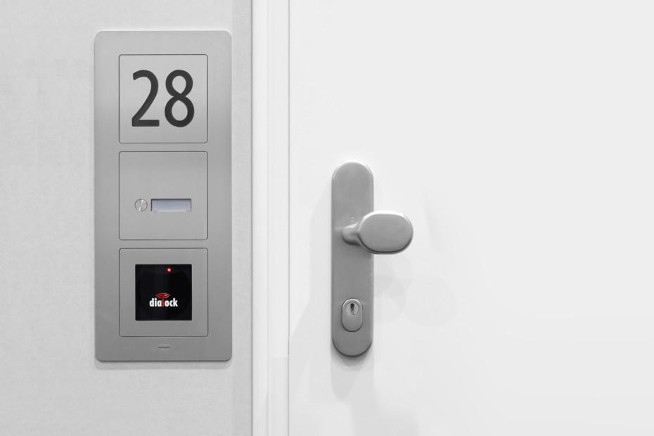 Transponder modul entrance control system