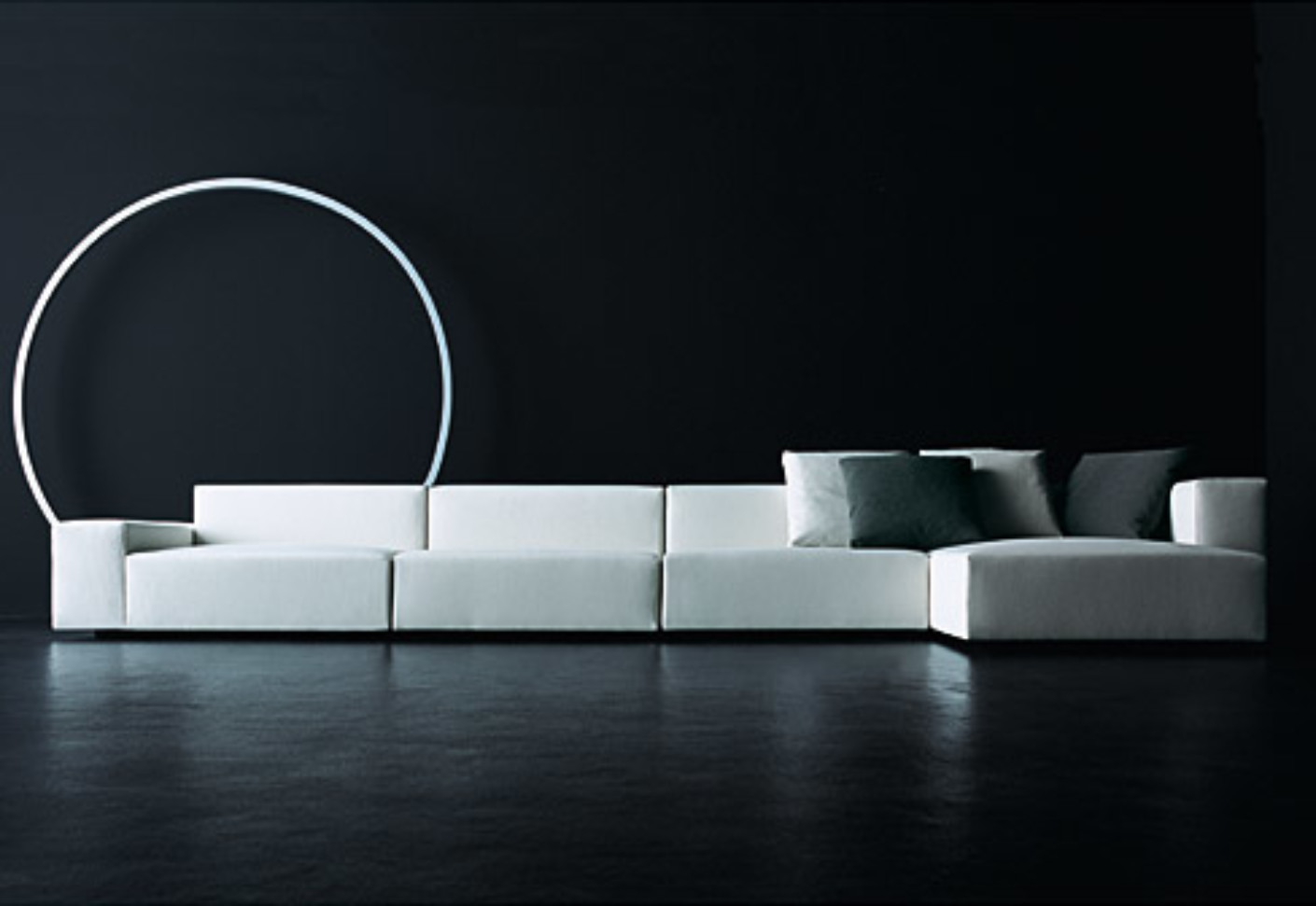 Wall sofa by living divani stylepark for Divani sofa