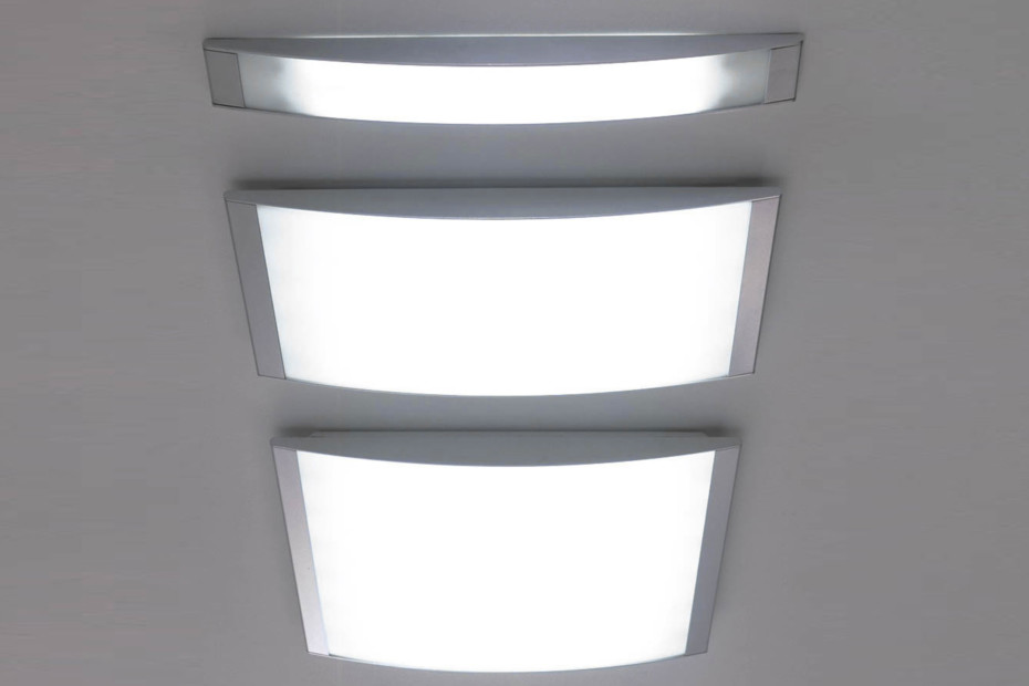 Strip ceiling lamp