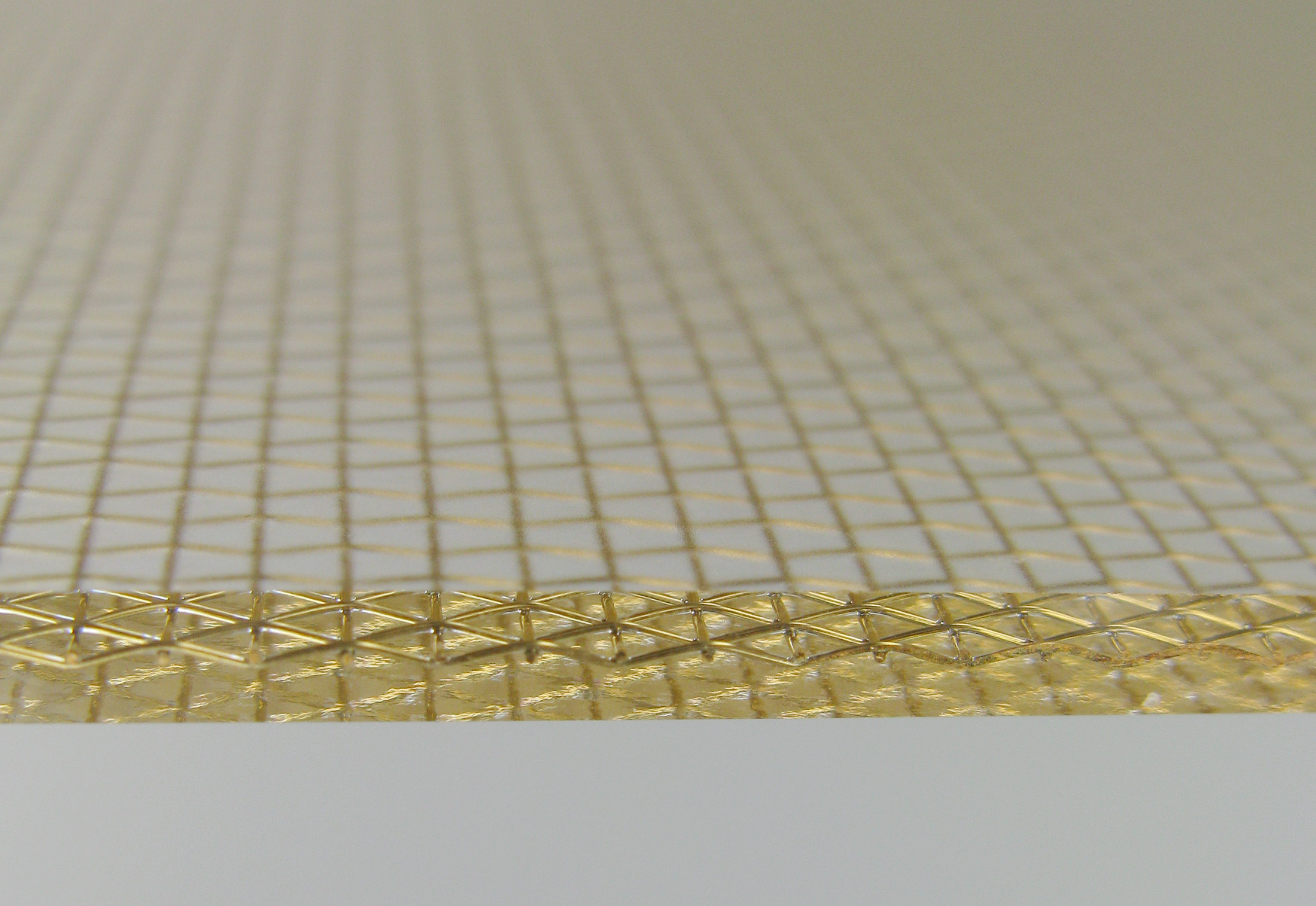 Bronze Mesh resin panel by Lumicor | STYLEPARK