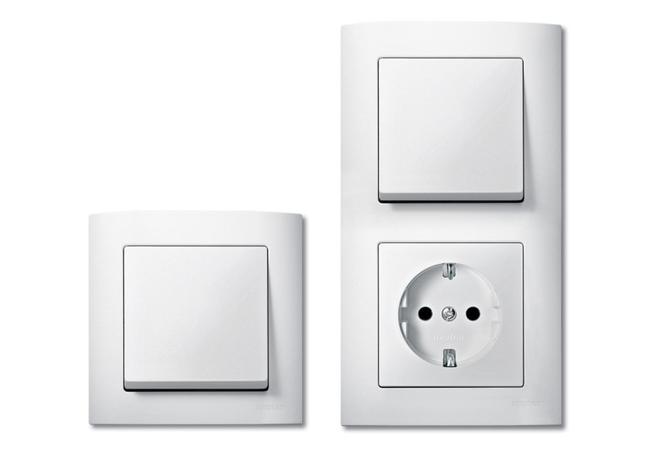 M-ARC Switch and socket combi