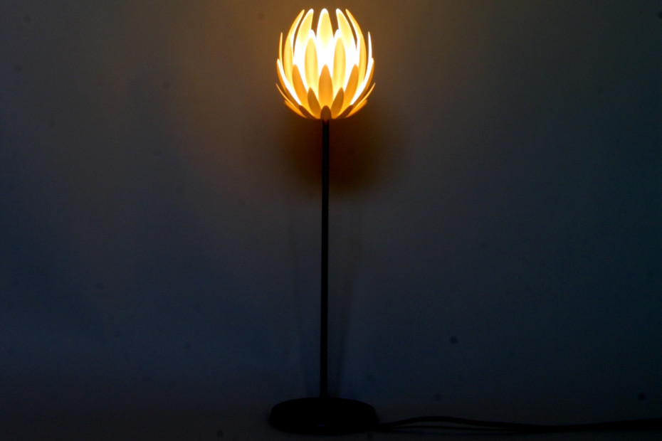 Lily.MGX table lamp