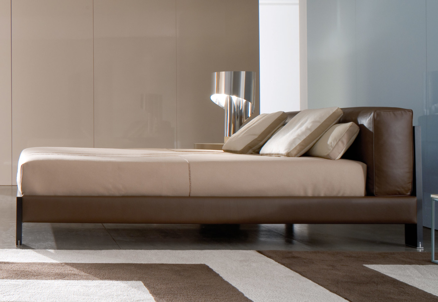 Alison Black Bed By Minotti Stylepark