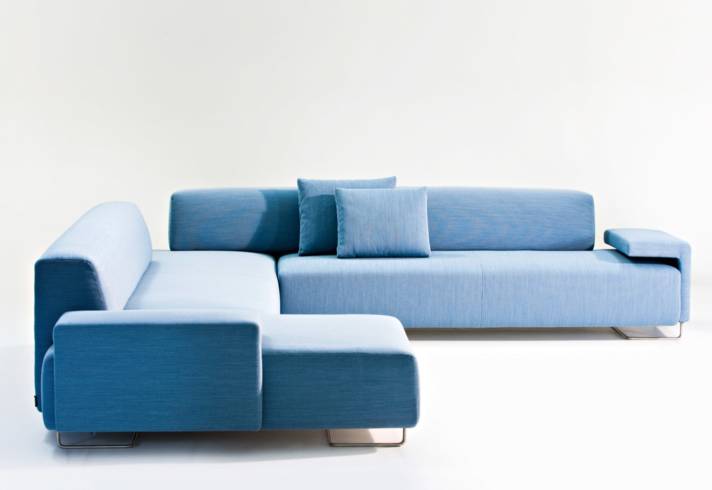 Lowland sofa by moroso stylepark for Canape urquiola