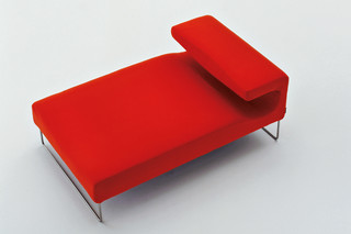 Lowseat chaise longue  by  Moroso