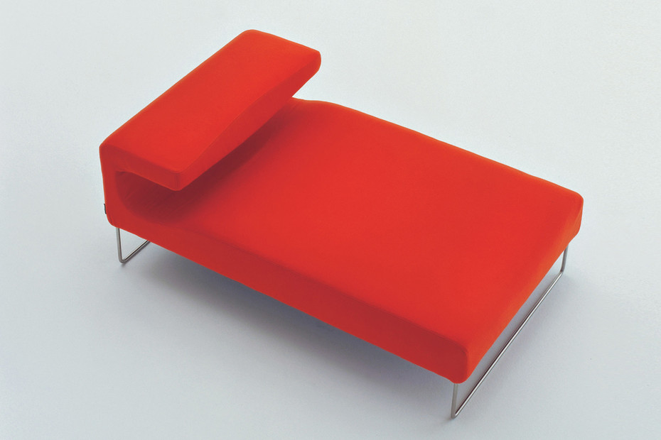 Lowseat chaise longue