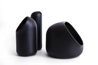 Ô vase  by  Moustache