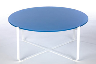 Trace rund Table  by  naughtone