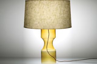 Constrictor Modern Table Lamp  von  Niche Modern